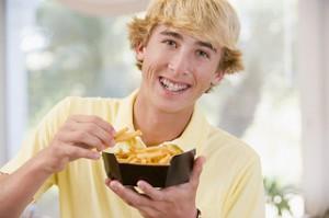ortho-teenbraces-eating